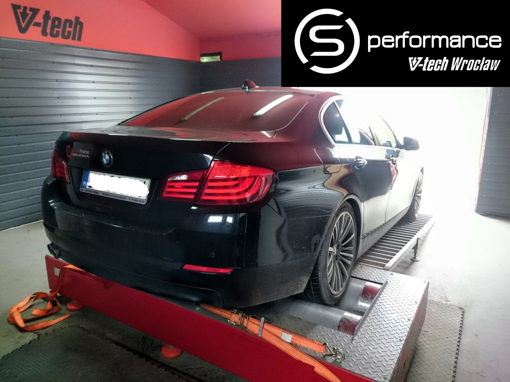 bmw f10 520d at 2011r katalogowo 184km 380nm 35km 66nm. Black Bedroom Furniture Sets. Home Design Ideas